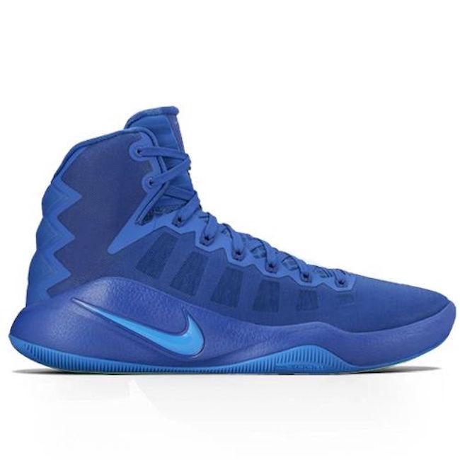 Las zapatillas de baloncesto Nike Hyperdunk 2016 para hombre incorporan una parte superior transpirable y amortiguación Zoom Air para proporcionar una mayor comodidad y ventilación, además de una pisada ligera de máxima respuesta.